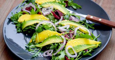 Праздничный Салат из авокадо с отварным языком