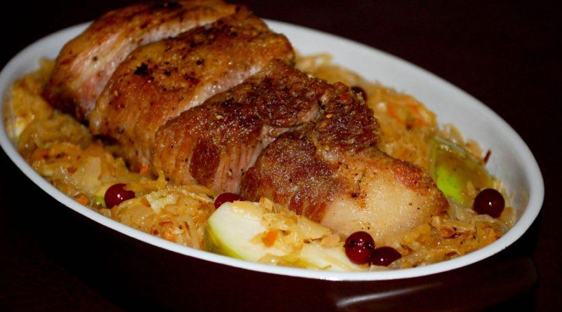 Бигос из квашеной капусты и мяса по-польски