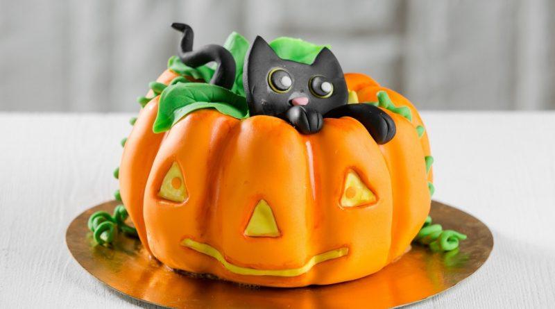 Тыквенный торт с «привидениями»