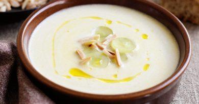 Ахобланко - Традиционный холодный испанский суп