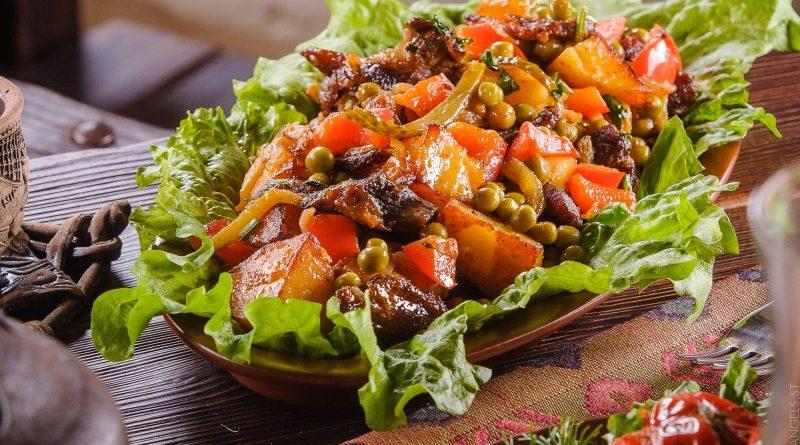 Керусус - Баранина, тушённая с луком и томатной пастой по-армянски