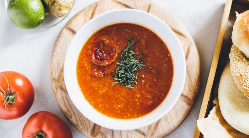 Матбуха - восточный томатный суп