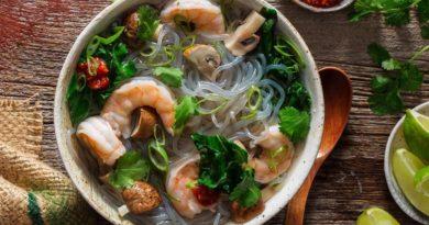 Лоу - вьетнамский суп из морепродуктов