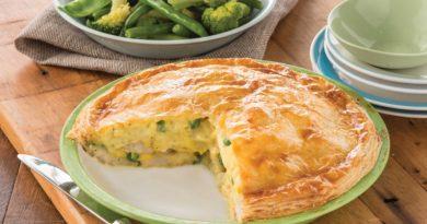 Пирог с хариусом и картофельным пюре