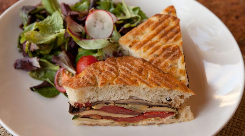 Панини - Итальянский горячий бутерброд