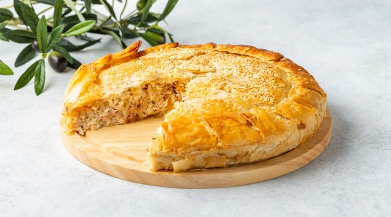 Котопита - Греческий пирог с начинкой из курицы и домашнего сыра или творога.