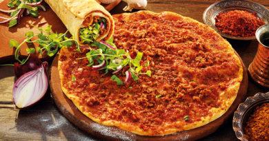Лагмаджо - Армянская лепёшка с острой мясной начинкой