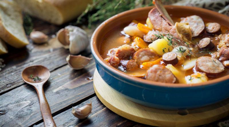 Косидо - Суп из фасоли с копчёностями по-испански