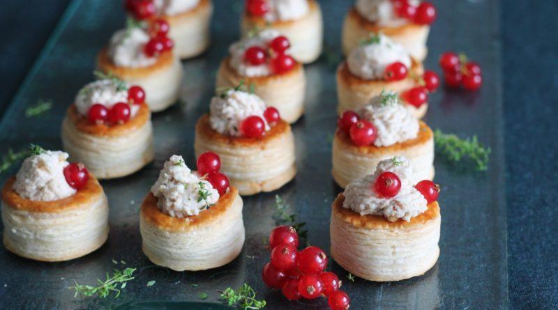 Волованы со сладкой творожной начинкой по-французски