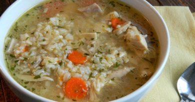 Китайский пикантный суп с рисом