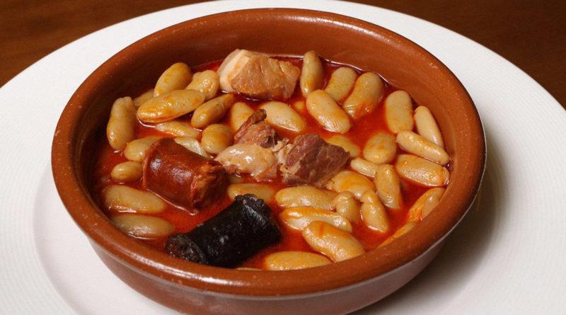 Астурийская фабада с кровяной колбасой