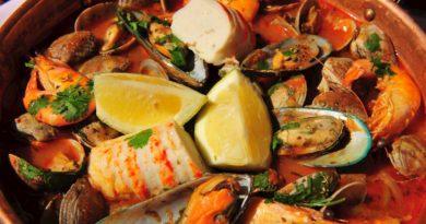 Катаплана с морепродуктами по-португальски