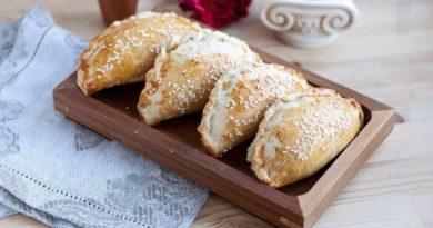 Кальцунья - Критский пирожок с начинкой из сладкого сыра