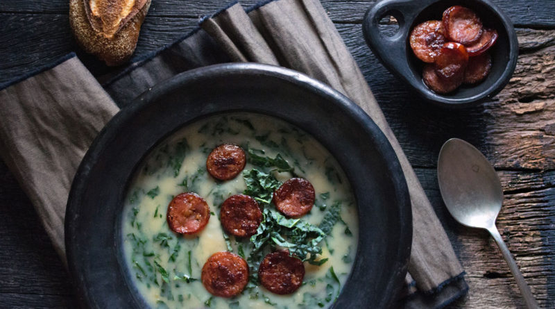 Калду верде - Густой суп с капустой, картофелем и колбасой по-португальски