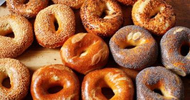 Багель - Еврейский хлеб с хрустящей корочкой