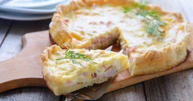 Лотарингский слоёный пирог с беконом по-французски