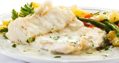 Филе белой рыбы с овощным жюльеном