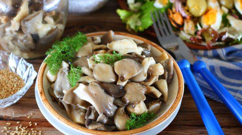 Быстрые маринованные грибы с гвоздикой