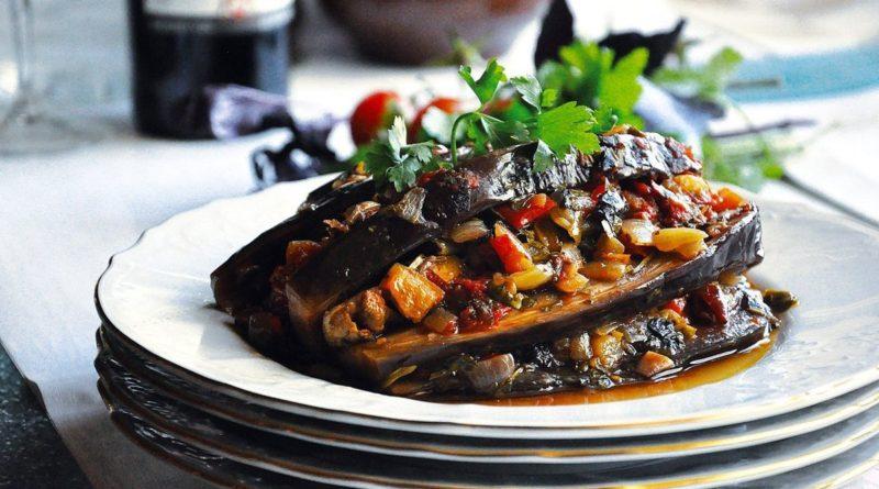 Имам баялды - Баклажаны, запечённые с помидорами и сладким перцем по-турецки