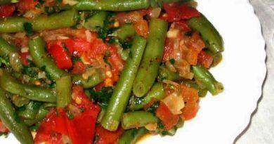 Зейтиньяла - Фасоль, тушённая с овощами по-турецки