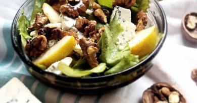 Салат с сыром, грушами и грецким орехом, Яблочный и Овсяный пирог с грецкими орехами