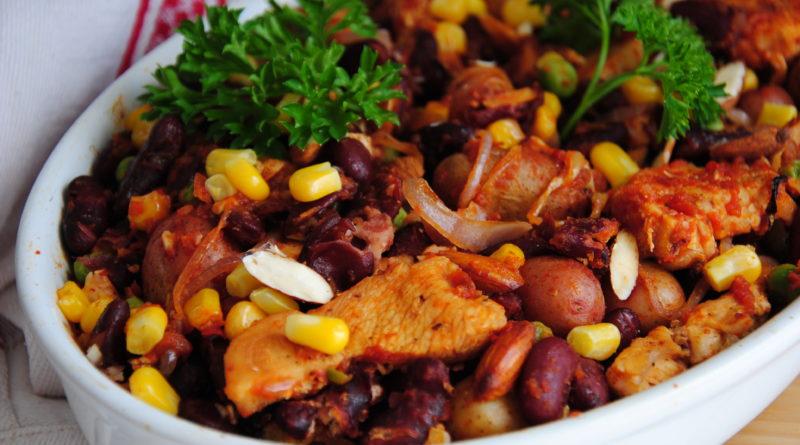 Овощное рагу с индейкой и красной фасолью и курица, запеченная с апельсинами