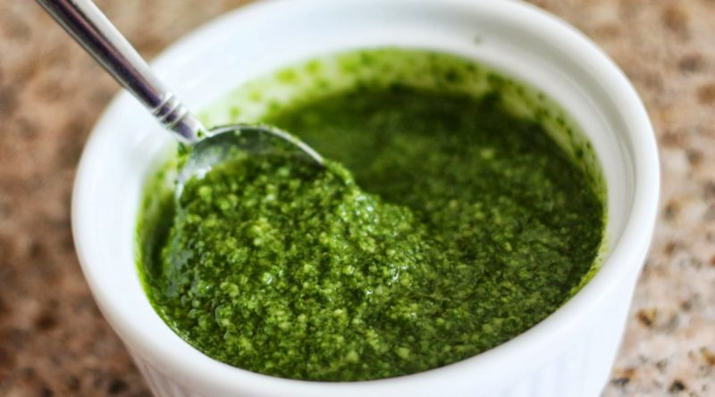 Чимичурри - Латиноамериканский соус на основе петрушки, чеснока и оливкового масла