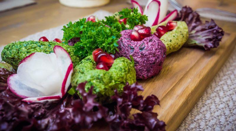 Пхали - Грузинская холодная закуска из свёклы и капусты