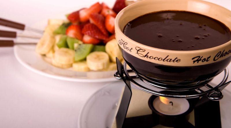 Шоколадное фондю по-швейцарски