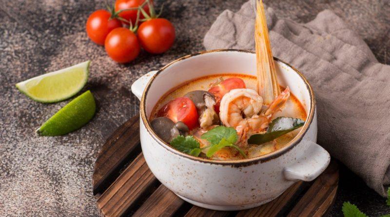 Том По Тэк - Тайский кисло-острый суп с морепродуктами
